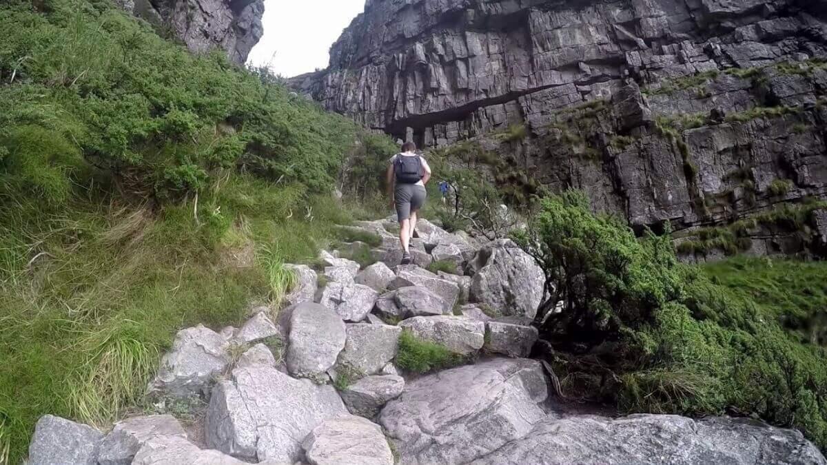 outcrop-man-hiking-steep-platteklip-gorge